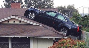 15 photos of real car accidents that look like shots from thriller movies!