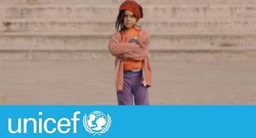 Shocking social experiment: a child actress was dressed first as a poor and then as a rich girl!