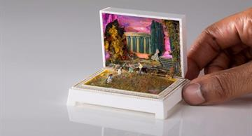 This artist turns ring boxes into miniature and detailed historical dioramas