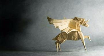 You will be amazed by these magnificent origami models by a Spanish artist!