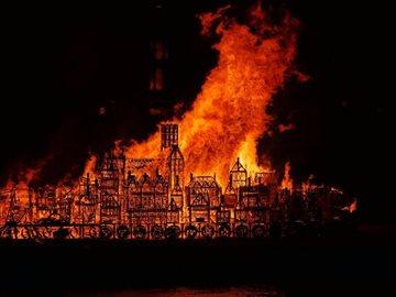 Культура Story: Всё горит огнём: лондонцы отметили 350-ю годовщину Великого пожара