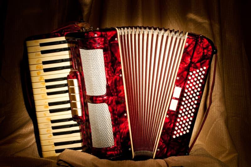 Música Historia: ¿Cómo llegó el acordeón a Argentina?