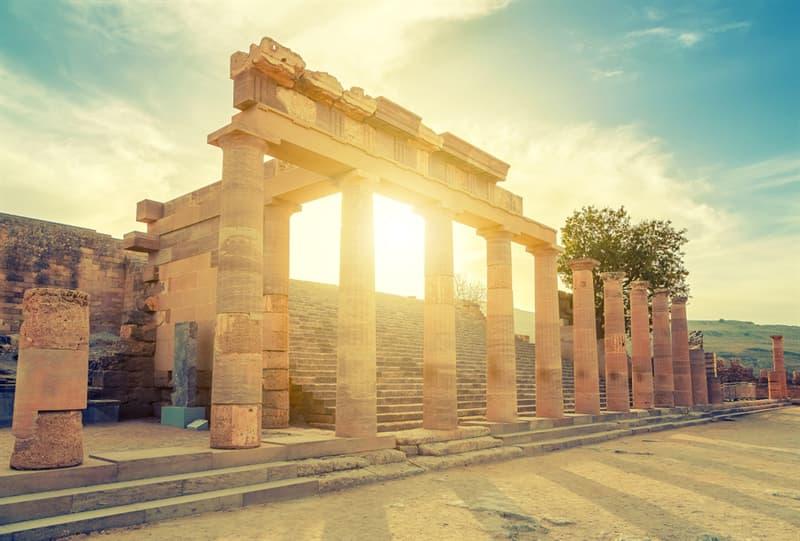 Historia Historia: ¿Es natural del ser humano organizarse de forma jerárquica y más civilizado hacerlo con una organización más horizontal?