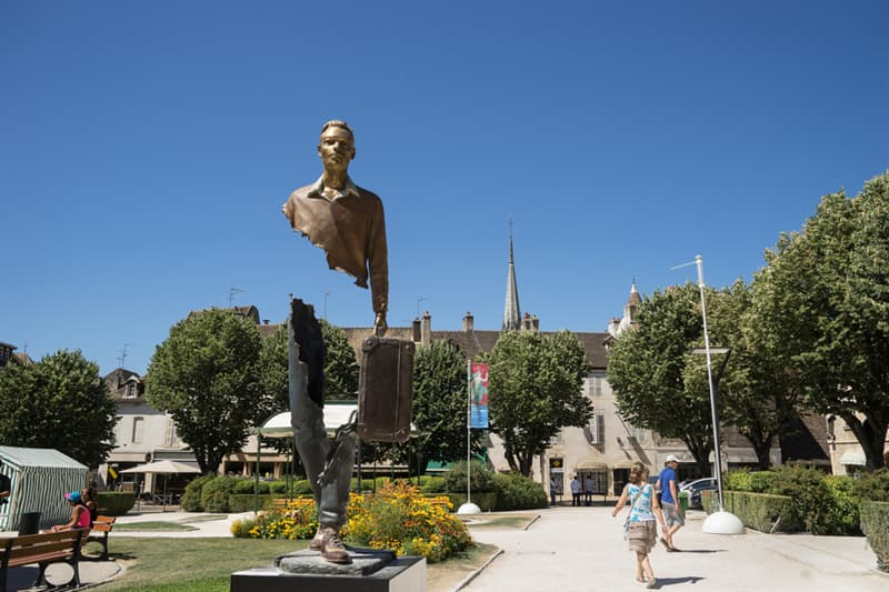 Geography Story: #5  The statue of Voyager by Bruno Catalano in France
