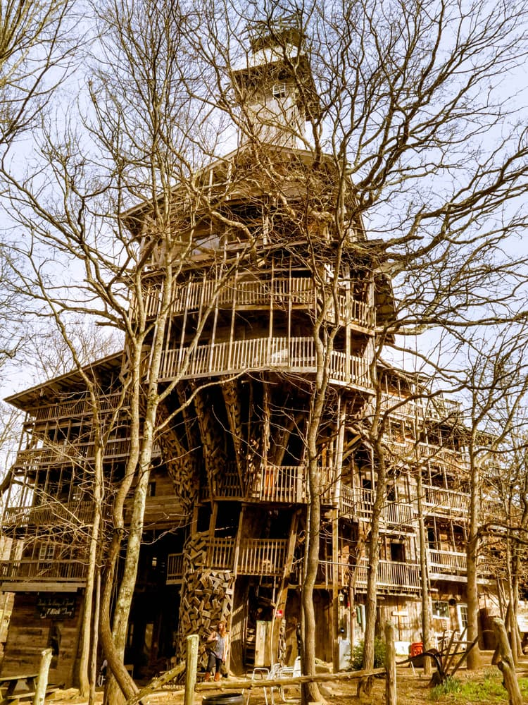 Society Story: #6 Minister's Treehouse (Crossville, Tennessee, USA)