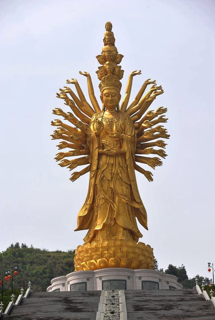 Geography Story: #6 The Guishan Guanyin of the Thousand Hands and Eyes, China