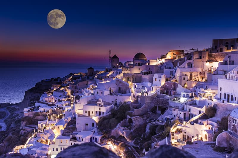Geography Story: #4 Santorini, Greece