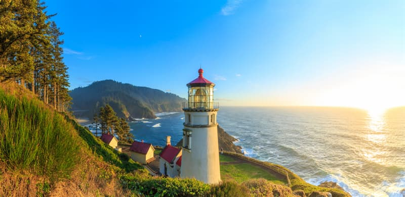 Geography Story: best places to visit if you are an introvert travel destinations Heceta Head Lighthouse USA