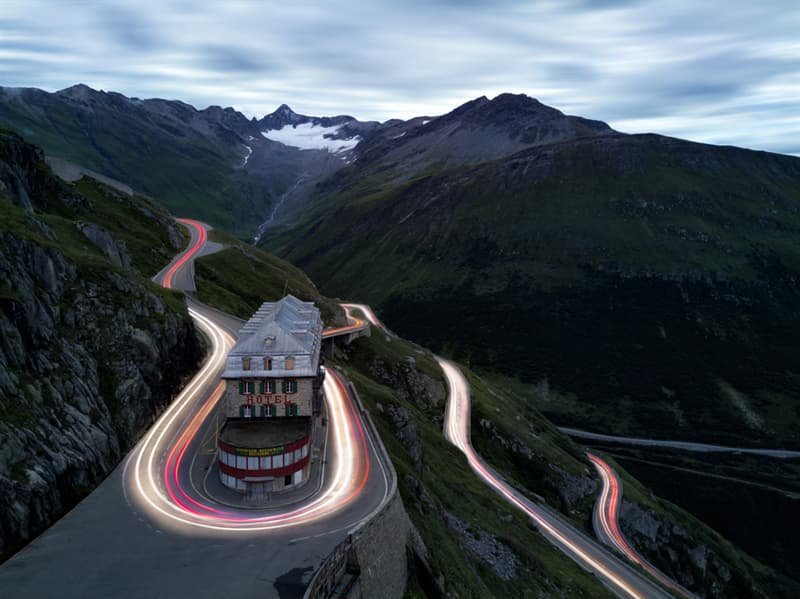 Geography Story: Mountain pass road