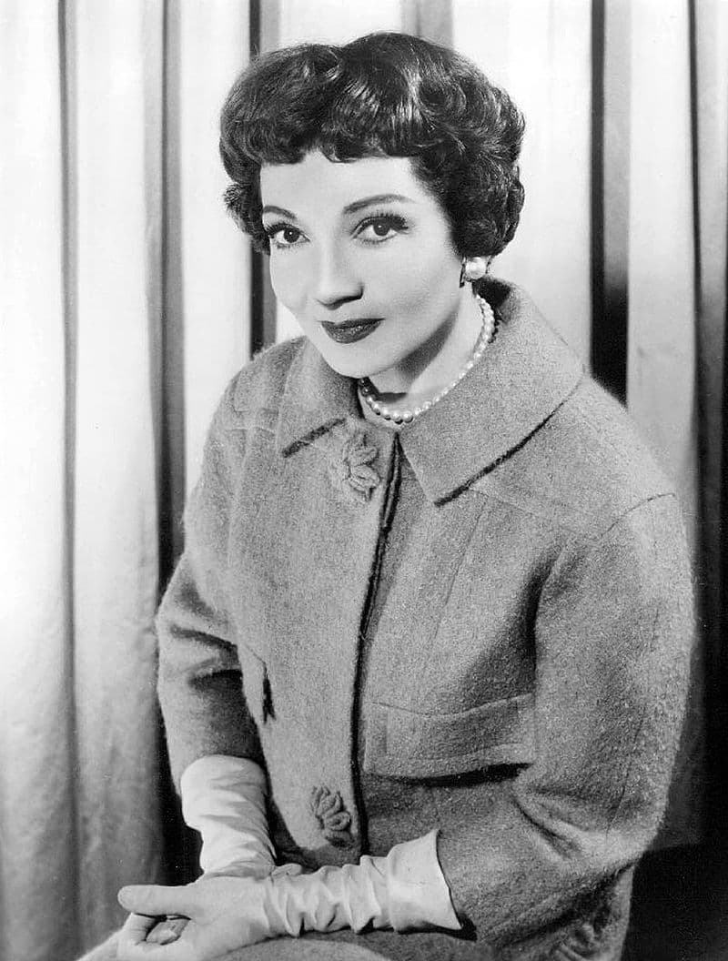 Culture Story: #8 THE FIRST ACTRESS TO STAR IN THREE FILMS NOMINATED FOR BEST PICTURE: Claudette Colbert