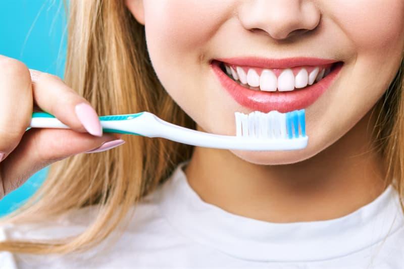 Society Story: #3 Whitening toothpaste
