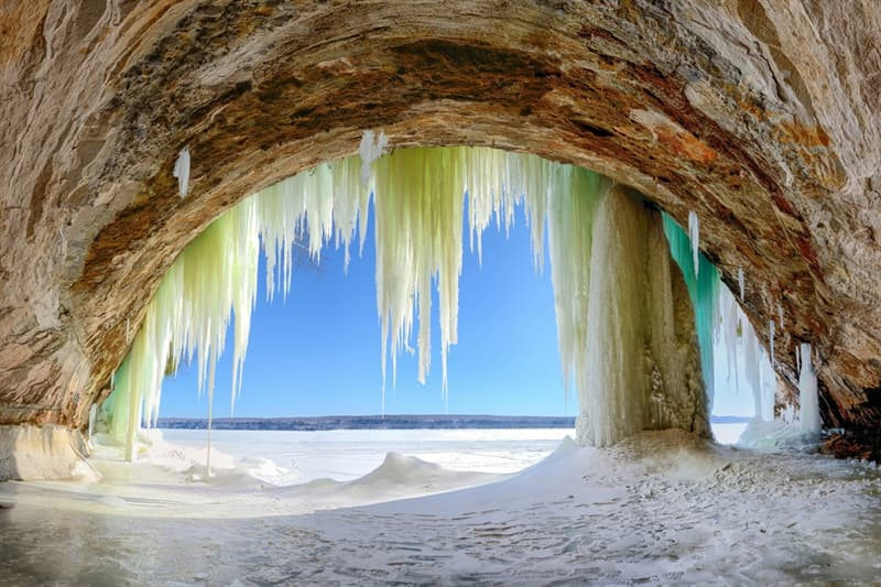 Geography Story: ice cave on lake superior