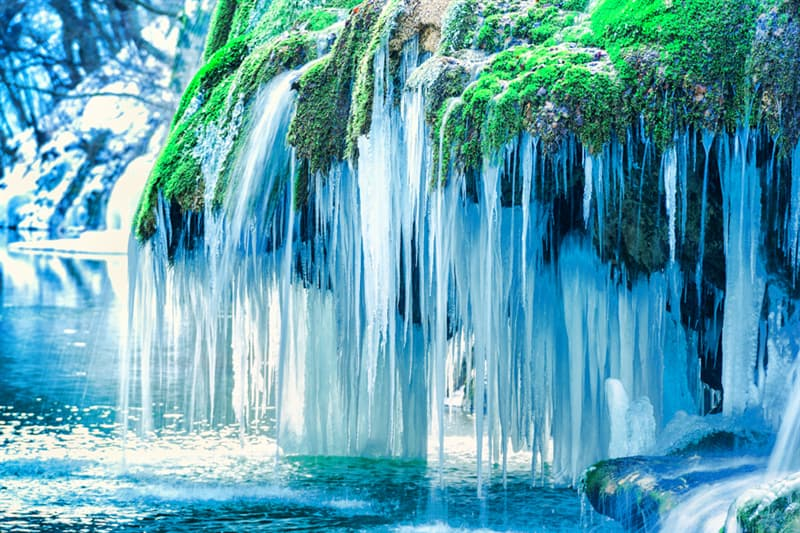 Geography Story: Frozen waterfall