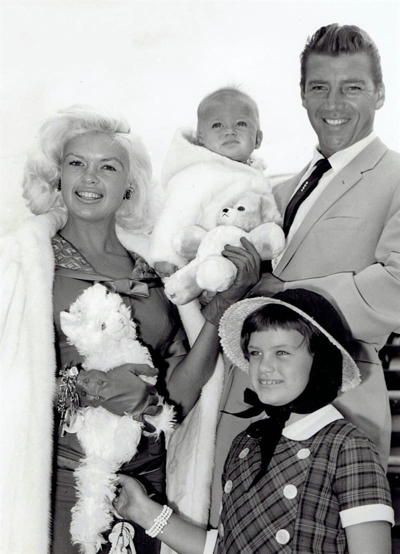 History Story: personal life children husbands Kennedy facts about Jayne Mansfield biography old Hollywood