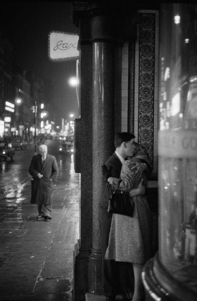 Culture Story: 1960 photos old photos old lifestyle history photo black and white aesthetic photos old vibe old school oldschool The Way We Were tender moment