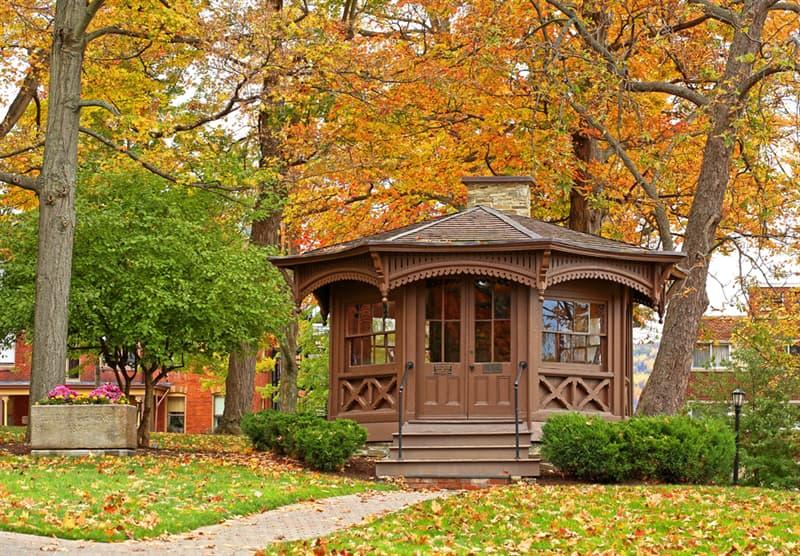 Culture Story: #3 Mark Twain had a writing hut