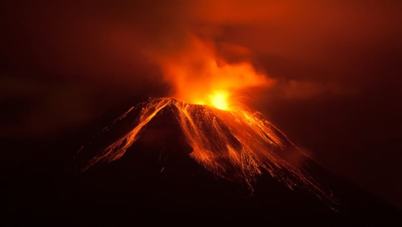 What is the only continent on Earth without an active volcano?