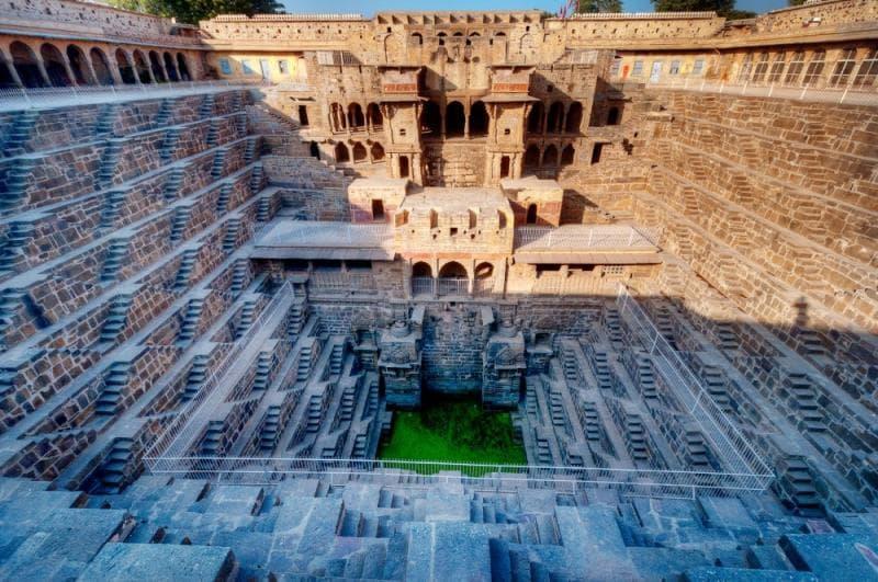 Культура Вопрос: Какое предназначение имело это архитектурное сооружение?