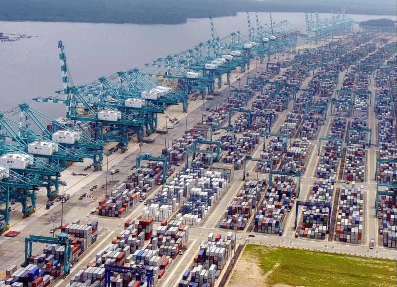 География Вопрос: Какой порт по итогам 2014 года стал самым большим контейнерным портом в мире?