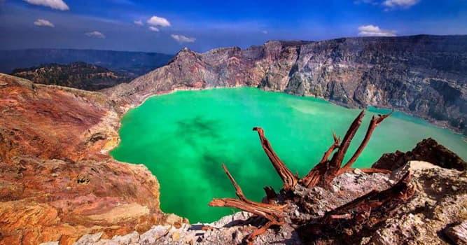 География Вопрос: На фотографии изображено самое большое кислотное озеро в мире. А на территории какой страны оно находится?