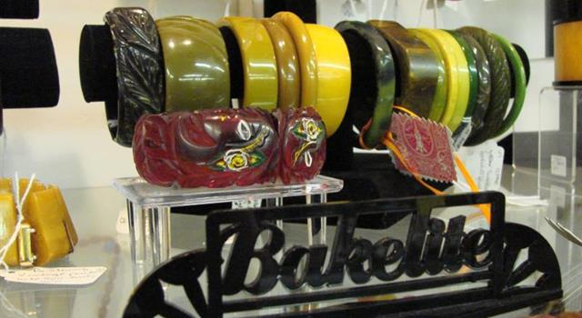 What was Bakelite an early form of?