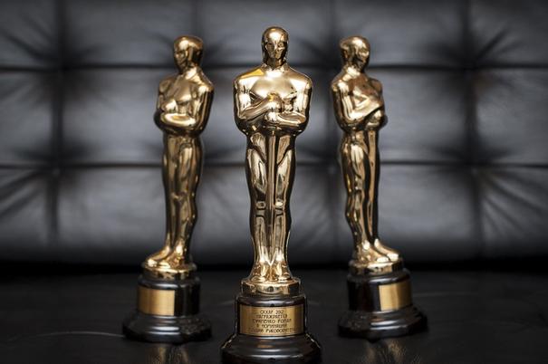 """А вручали когда-нибудь лауреатам кинопремии """"Оскар"""" гипсовые статуэтки?"""