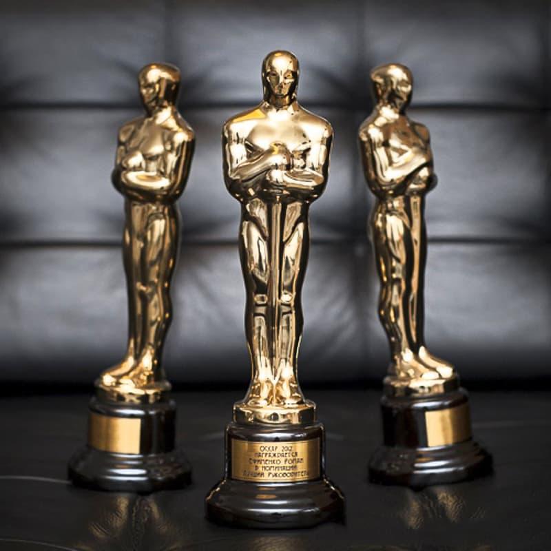 """Общество Вопрос: А вручали когда-нибудь лауреатам кинопремии """"Оскар"""" гипсовые статуэтки?"""