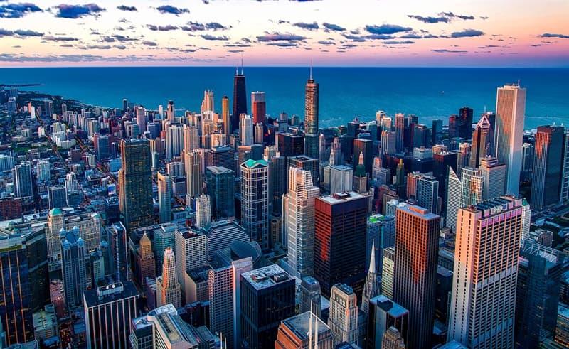 География Вопрос: Что буквально означает название штата Мичиган в США?