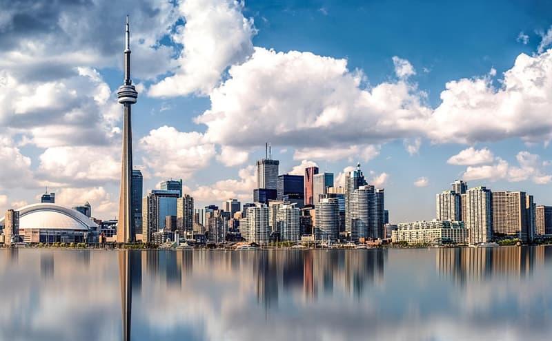 География Вопрос: Граничит ли штат Нью-Йорк в США  с Канадой?