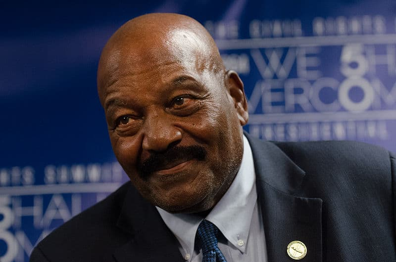 Sport Trivia Question: How many seasons did Jim Brown play?