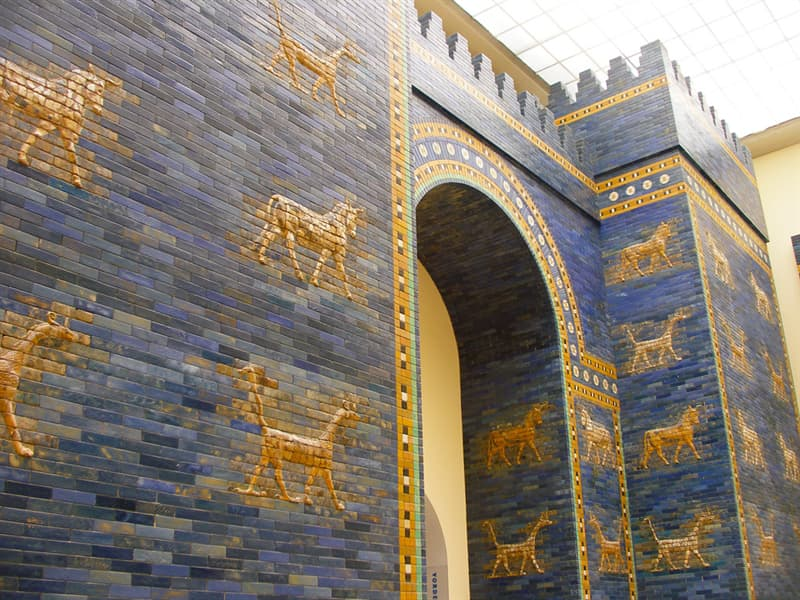 History Trivia Question: In about 575 BC, what country constructed the Gates of Ishtar?