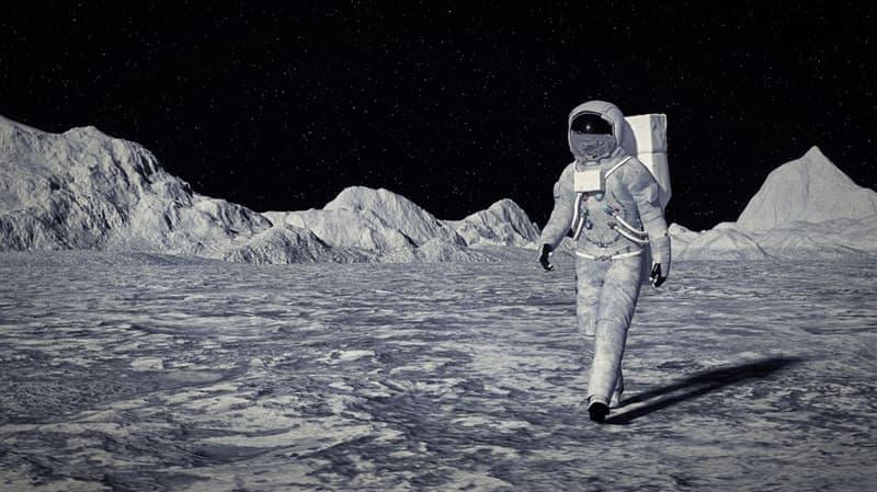 Наука Вопрос: Какая первая знаменательная фраза была произнесена людьми, впервые оказавшимися на Луне?