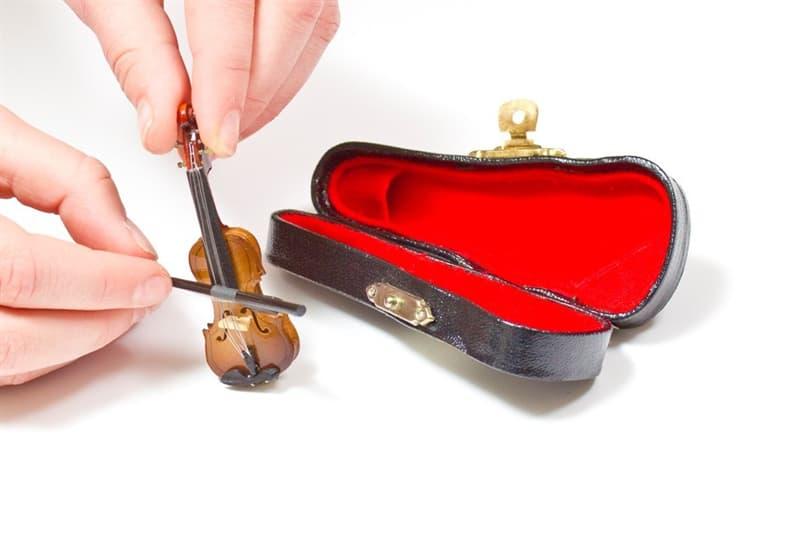 Культура Вопрос: Каков размер самого маленького музыкального инструмента по версии Книги рекордов Гиннесса?