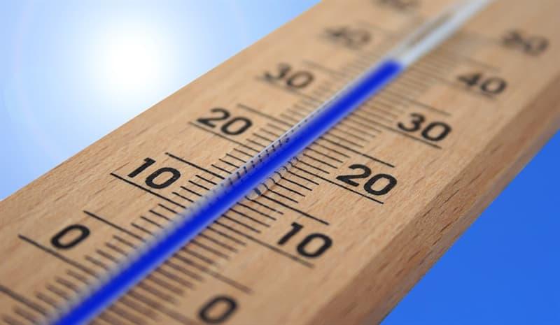 Наука Вопрос: Правда ли, что первоначально в температурной шкале Цельсия за ноль была принята точка кипения воды, а за 100 °C — температура замерзания воды (точка плавления льда)?