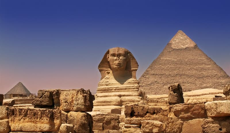 History Trivia Question: The face of the Sphinx of Giza is generally believed to represent the face of which Pharaoh?