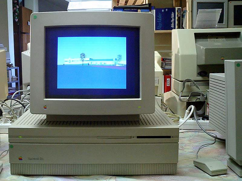 History Trivia Question: The processor used in the 1987 Macintosh II personal computer is the same as that used in the systems of which fighter jet?