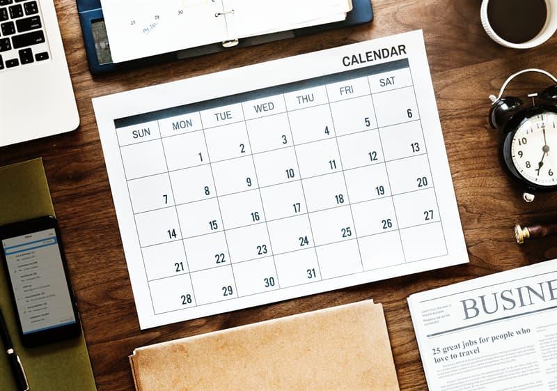 История Вопрос: В каком году был введен «Советский революционный календарь»?