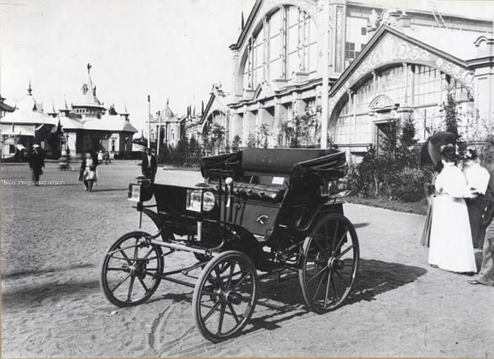 История Вопрос: В каком году увидел свет первый русский автомобиль?