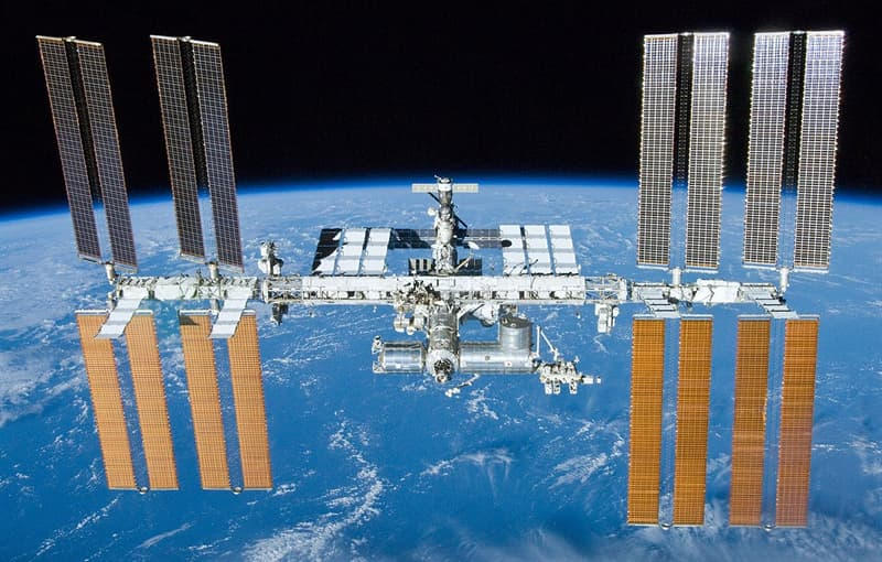 Geschichte Wissensfrage: Wann begann der Bau der Internationalen Raumstation?