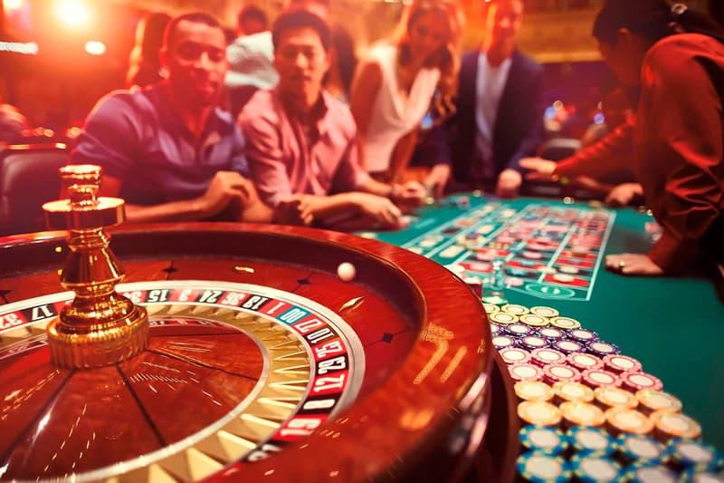 Общество Вопрос: В каком году открыли первое казино в Европе?