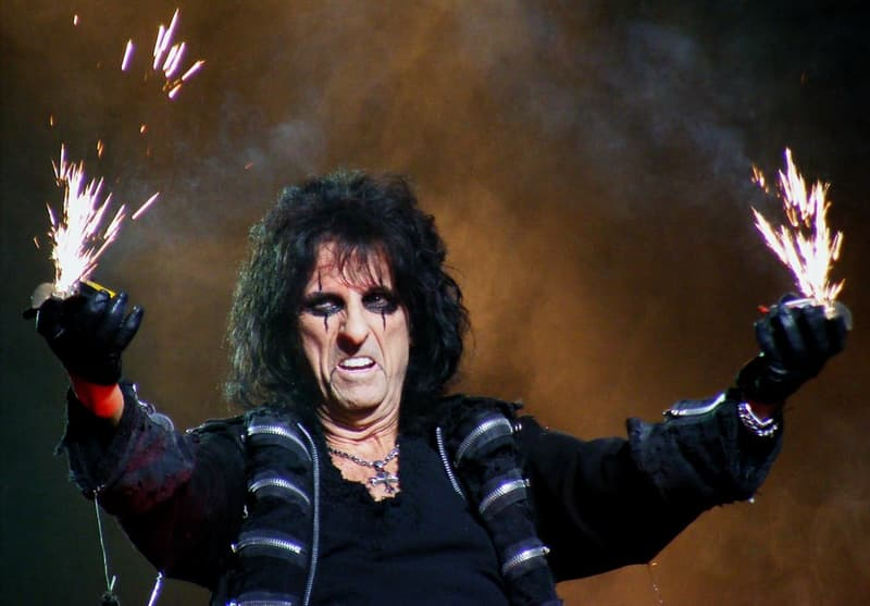 Culture Trivia Question: What was the birth name of rock star Alice Cooper?