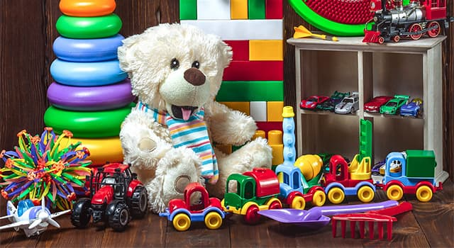 Общество Вопрос: Какая игрушка считается самой продаваемой игрушкой всех времен?