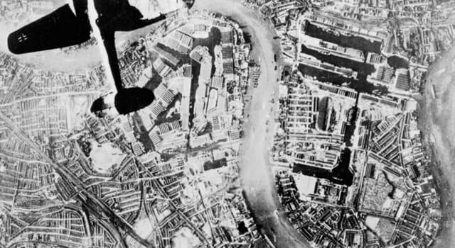 History Trivia Question: Which was the only Thames bridge to have been damaged by German bombing during the Second World War?