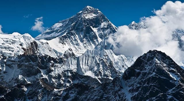 Geography Trivia Question: How many mountains in the U.S. have summit (peak) elevations between 20,350 feet and 9800 feet?