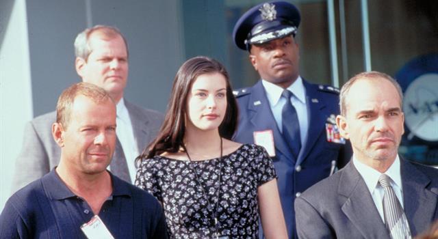 Películas y TV Pregunta Trivia: ¿En la película Armageddon (1998), el personaje de Billy Bob Thornton es administrador de qué agencia del gobierno estadounidense?