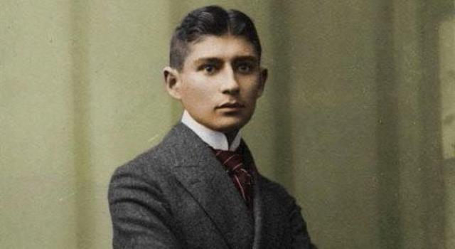 Cultura Pregunta Trivia: ¿En qué obra literaria Franz Kafka plantea el tema de la actitud de la sociedad hacia el individuo diferente?