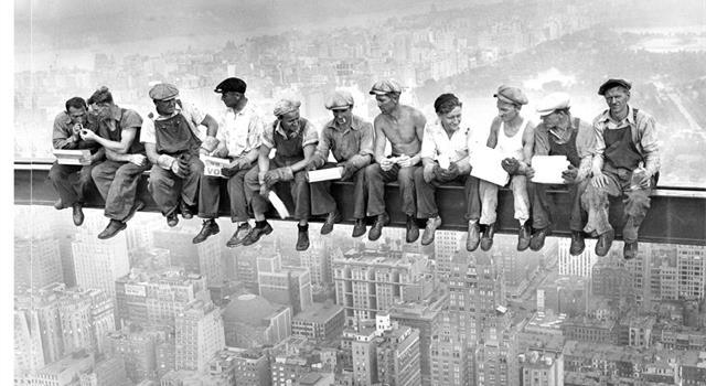 """Cultura Pregunta Trivia: La famosa fotografía de Charles Ebbets """"Almuerzo en la cima de un rascacielos"""", ¿dónde fue tomada?"""