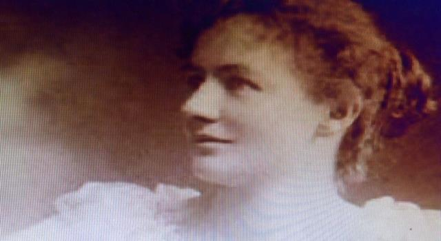 History Trivia Question: Who was Elizabeth Reid McCombs?