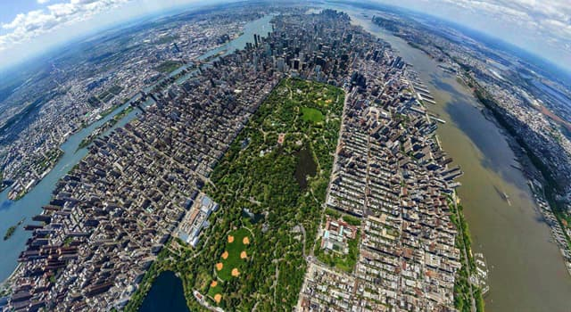 Society Trivia Question: How many children's playgrounds does New York's Central Park have?