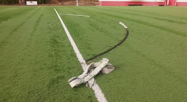 """Deporte Pregunta Trivia: ¿Por qué existe una """"media luna"""" en el borde de cada área en una cancha de fútbol?"""